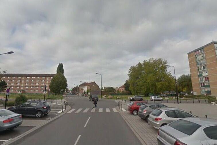 Parking Collège d'Etat Chasse Royale - Lomprez - Valenciennes - (box) pas cher