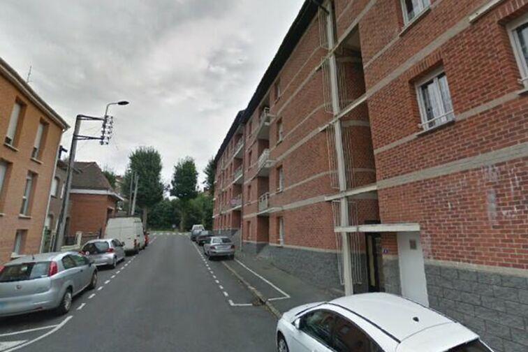 Parking Place du Canada - Royes - Valenciennes - (aérien) gardien