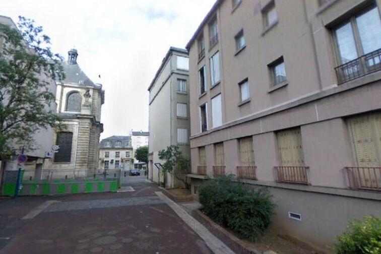 location parking Cathédrale Saint-Louis - Rue Carnot - Choisy-le-Roi
