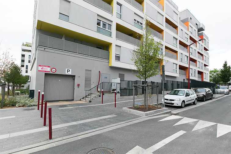 Parking Bibliothèque Municipale - Rue Louise Bourgeois - Fresnes garage