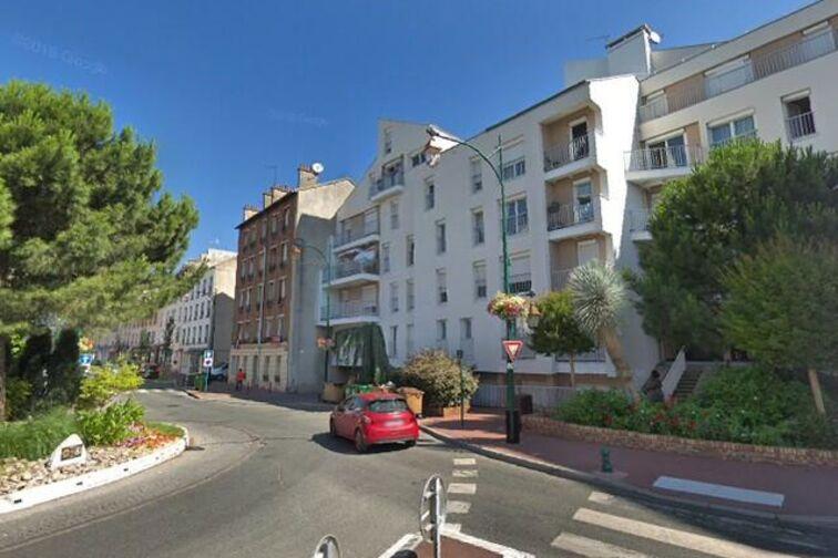 Parking Rue du Maréchal Leclerc - Saint-Maurice 24/24 7/7