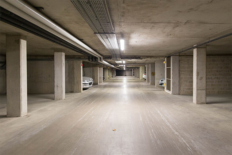 Parking Médiathèque Boris Vian - Avenue Georges Brassens - Chevilly-Larue garage