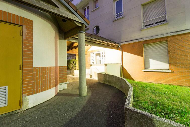 Parking Médiathèque Boris Vian - Avenue Georges Brassens - Chevilly-Larue à louer