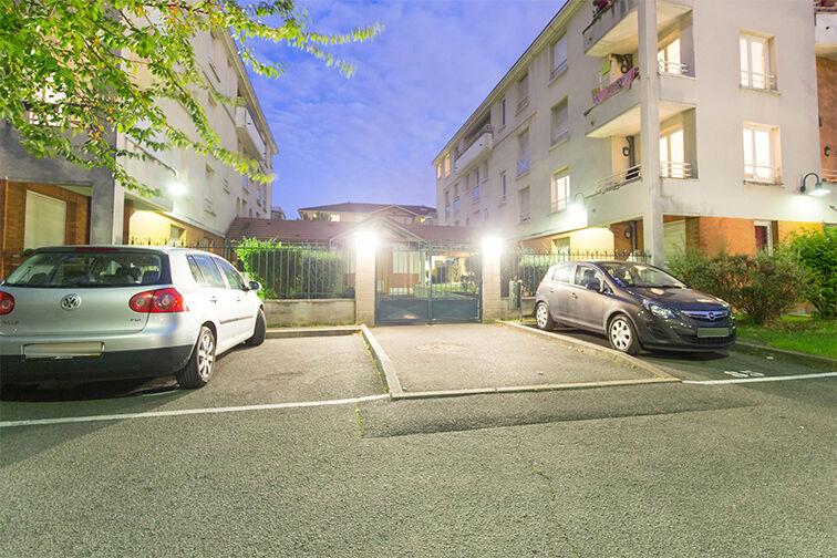 Parking Médiathèque Boris Vian - Avenue Georges Brassens - Chevilly-Larue location
