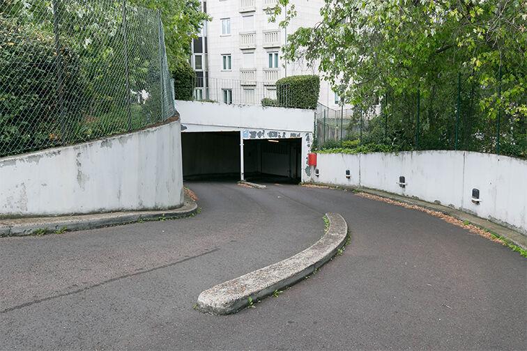 Parking Arrêt Saint-Mandé - Rue de la Division Française Libre - Saint-Mandé location mensuelle