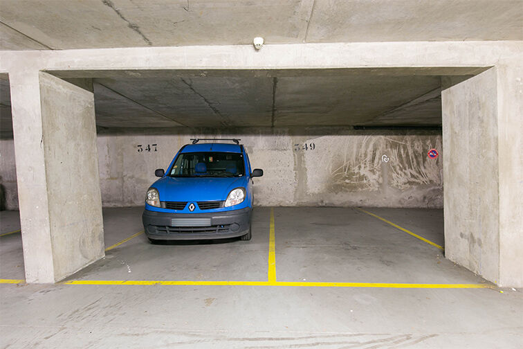 Parking Arrêt Saint-Mandé - Rue de la Division Française Libre - Saint-Mandé gardien