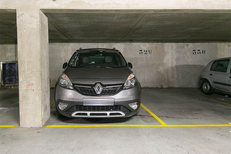 Parking Arrêt Saint-Mandé - Rue de la Division Française Libre - Saint-Mandé sécurisé