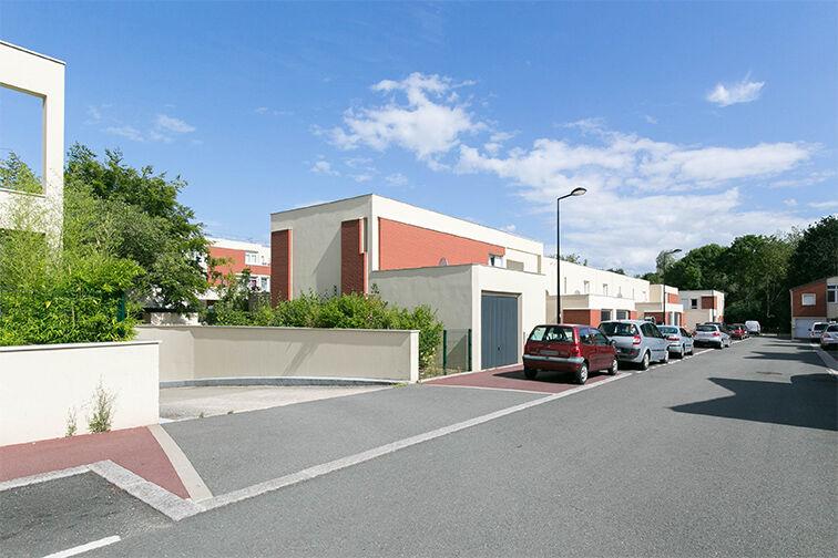 Parking Rue Henri de Toulouse Lautrec - Guyancourt sécurisé