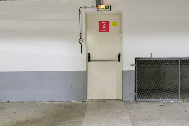 Parking Rue Henri de Toulouse Lautrec - Guyancourt gardien