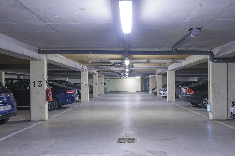 Parking Église Saint-Antoine de Padoue - Rue de Versailles - Le Chesnay 78150