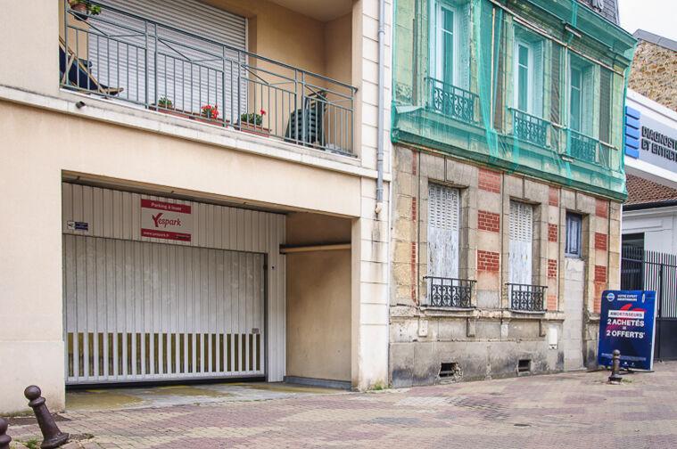 Parking Église Saint-Antoine de Padoue - Rue de Versailles - Le Chesnay 30 Rue de Versailles