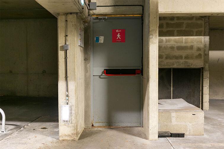 Parking Cimetière Parisien de Bagneux - Avenue Henri Ravera - Bagneux gardien