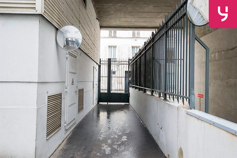 Parking Garibaldi - Rue de l'Hermet - Saint-Ouen (place moto) 31 rue de l'Hermet