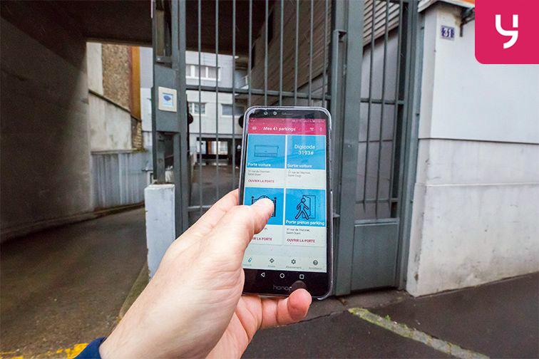 Parking Garibaldi - Rue de l'Hermet - Saint-Ouen (place moto) à louer