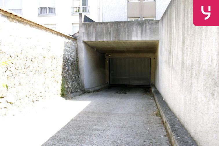 Parking Le Guichet - Orsay 91400