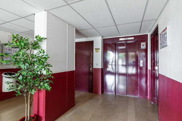 Parking Métro Châtillon Montrouge garage