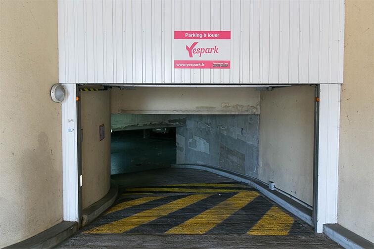 Parking Gare de Triel-sur-Seine 24/24 7/7