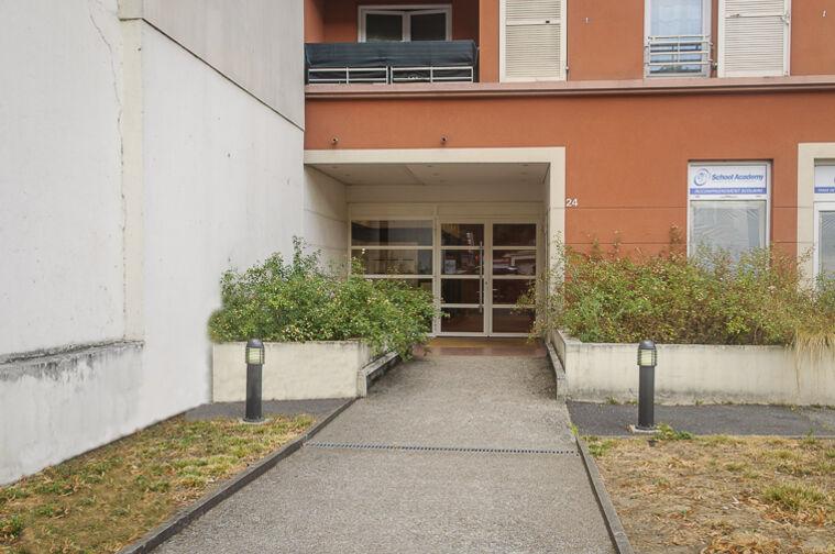 Parking Avenue Roger Salengro - Chaville en location