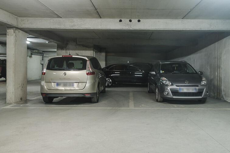 Parking Avenue Roger Salengro - Chaville caméra