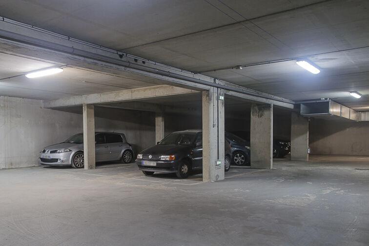 Parking Avenue Roger Salengro - Chaville Chaville