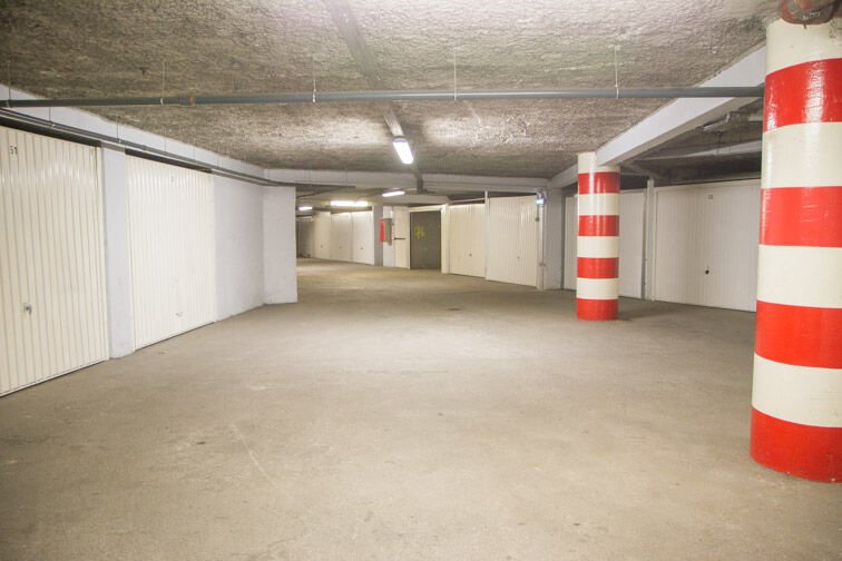 Parking Rue Jean Goujon - Vitrolles gardien