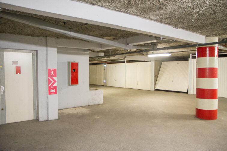 Parking Rue Jean Goujon - Vitrolles box
