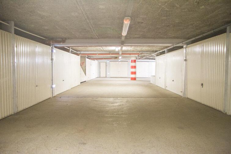 Parking Rue Jean Goujon - Vitrolles en location
