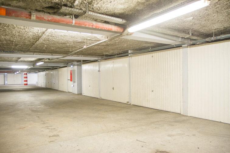 Parking Rue Jean Goujon - Vitrolles 15 Rue Jean Goujon