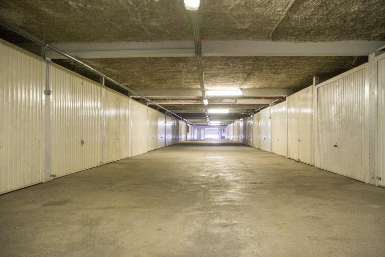 Parking Rue Jean Goujon - Vitrolles Vitrolles