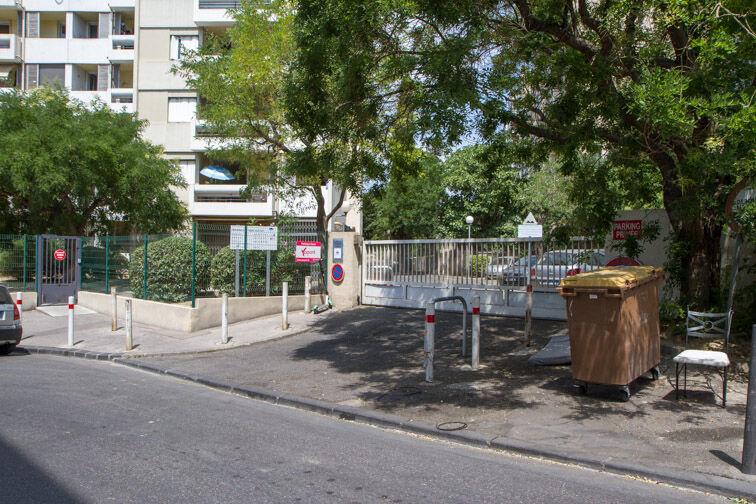 Parking Métro Désirée Clary - Marseille gardien