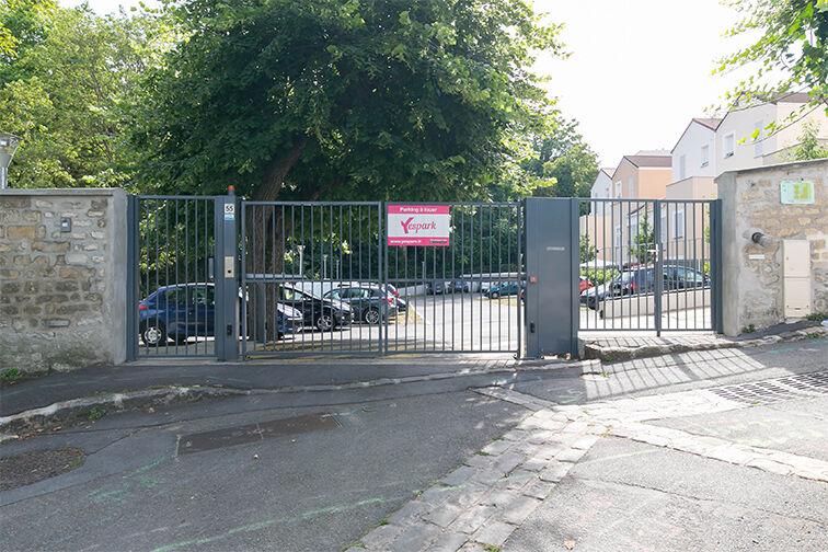 Parking Gare de Maisons Laffitte - Rue du Mesnil - Maisons-Laffitte location