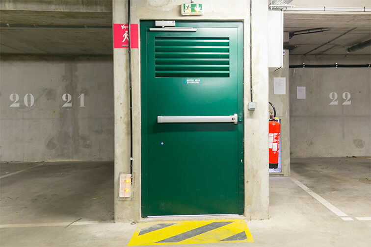 Parking Gare de Maisons Laffitte - Rue du Mesnil - Maisons-Laffitte garage