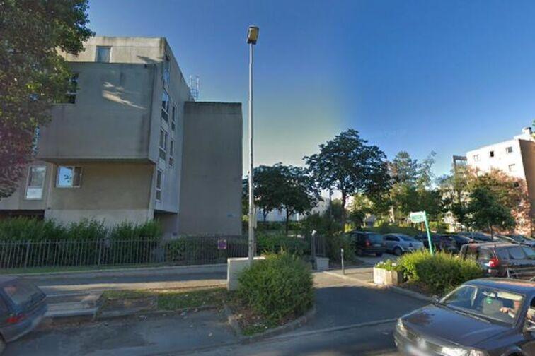 Parking Gare de Sevran Beaudottes - Avenue Dumont d'Urville - Sevran à louer