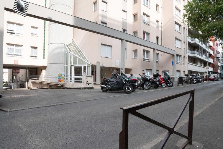 Parking Cimetière du Kremlin-Bicêtre - Rue Danton - Le Kremlin-Bicêtre 23 rue Danton