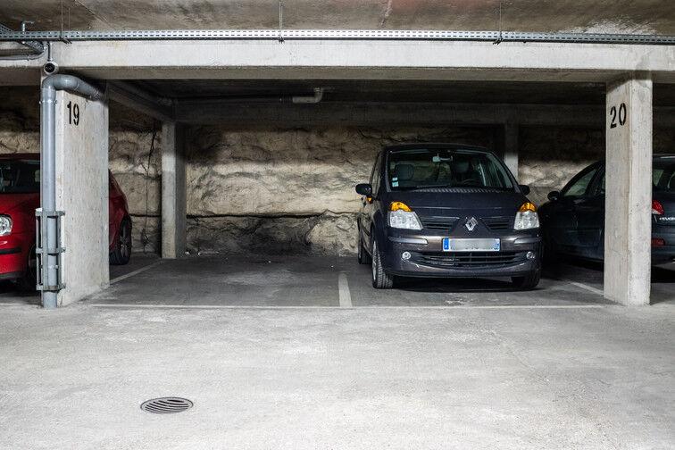 Parking Cimetière du Kremlin-Bicêtre - Rue Danton - Le Kremlin-Bicêtre pas cher
