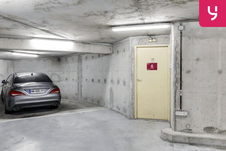 Parking Les Haies - Buzenval (place moto) garage