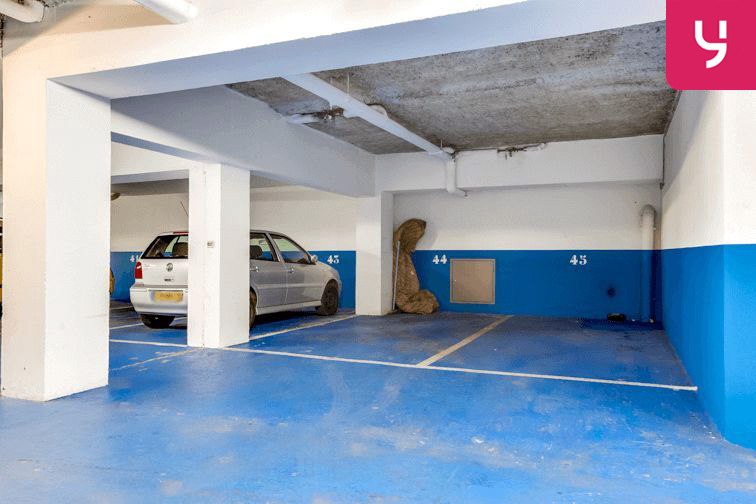 Parking Jacques Cartier - Guy Môquet (place moto) garage