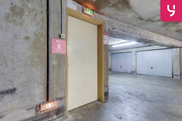 Parking Rochecardon - Industrie - Lyon 9 (place double) location mensuelle