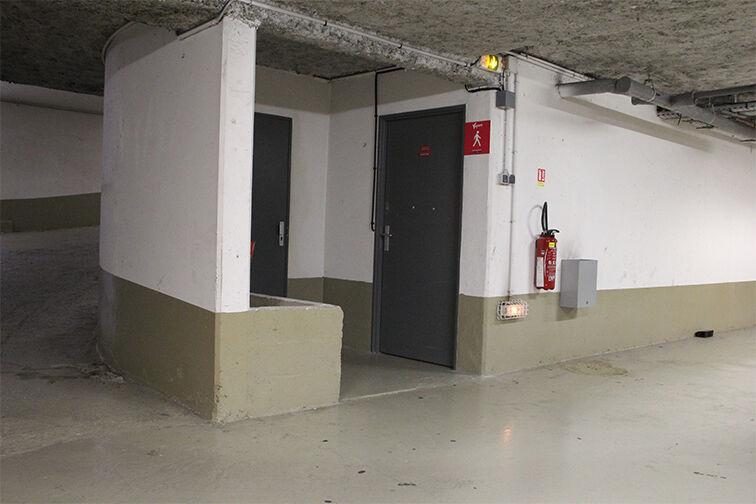 Parking Pôle Universitaire Léonard de Vinci - Courbevoie garage