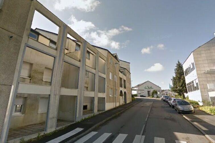Parking Mairie - Charles de Gaulle - Carquefou - (aérien) location mensuelle