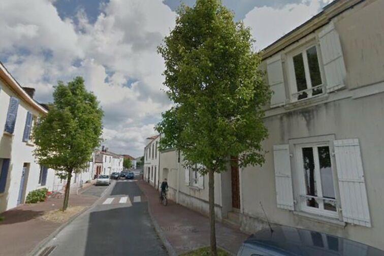 Parking Eglise - Grand Puits - La Chapelle-Basse-Mer - (box aérien) pas cher