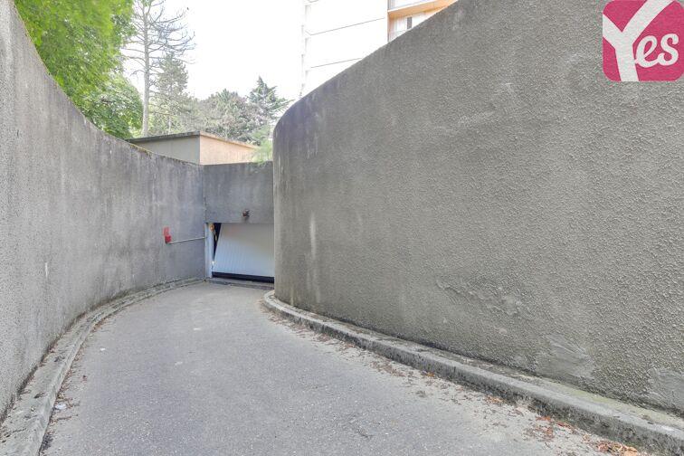 Parking Place du 8 Mai 1945 - Villejuif garage