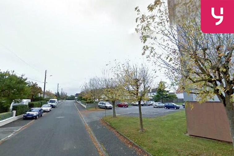 Parking Groupement scolaire - Coquelicots - Ancenis - (aérien) location mensuelle