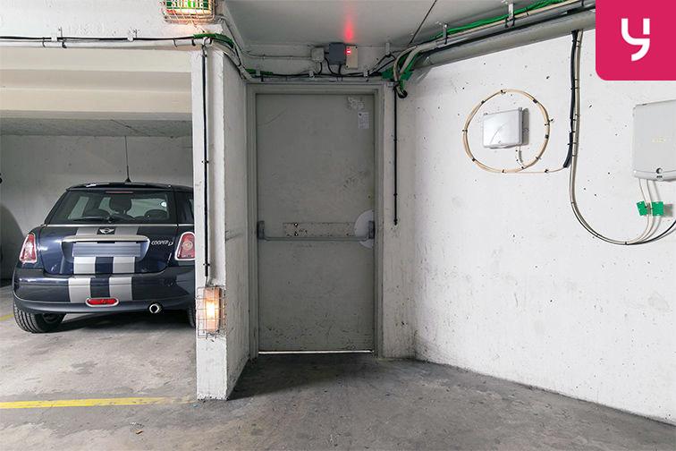 Parking Rue de la Fontaine - Saint-Ouen (place double) garage
