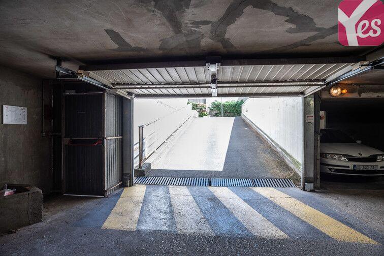 Parking Bécon - Courbevoie (place moto) box