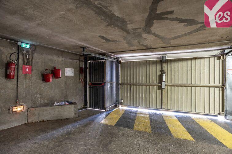 Parking Bécon - Courbevoie (place moto) caméra