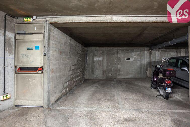 Parking Bécon - Courbevoie (place moto) en location
