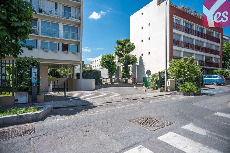 Parking Bécon - Courbevoie (place moto) location