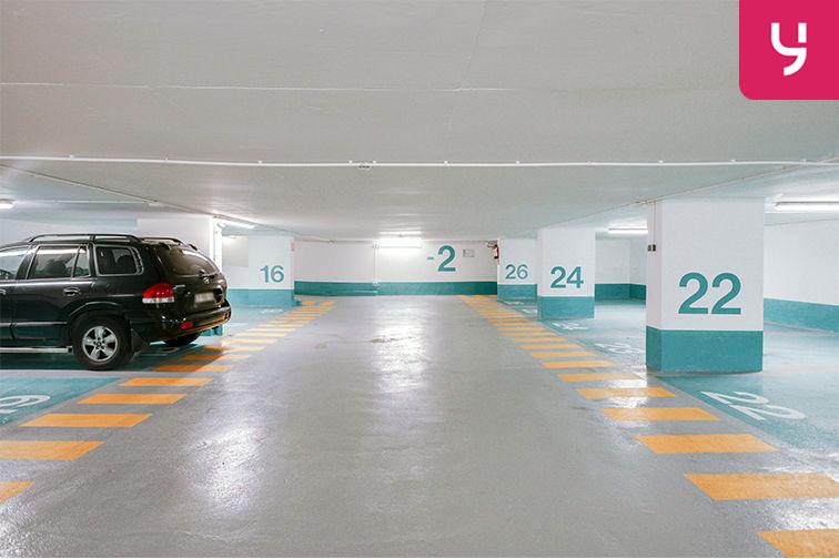 location parking Champs Élysées - Paris