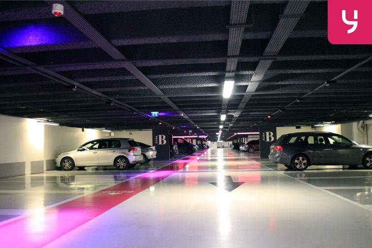 location parking Champs Élysées - impair - Paris